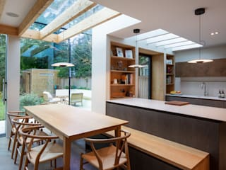 Cambridge Park House Minimalist dining room by TAS Architects Minimalist