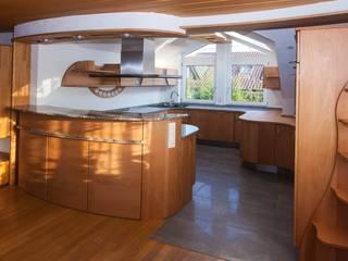 runde Küchen für Küchenliebhaber Ausgefallene Küchen von Pfister Möbelwerkstatt GdbR Ausgefallen