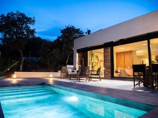 Modelo Júcar de The Concrete Home Moderno