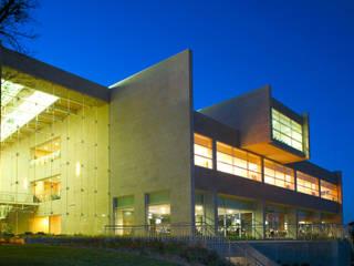Campestre Locaciones para eventos de estilo moderno de IAARQ (Ibarra Aragón Arquitectura SC) Moderno