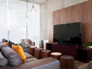 Atria Fase 2 Salas multimedia modernas de IAARQ (Ibarra Aragón Arquitectura SC) Moderno