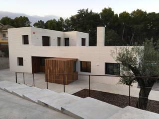 Casas rurales de SANTI VIVES ARQUITECTURA EN BARCELONA Rural