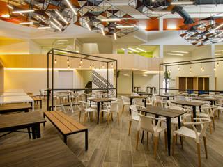 Modern dining room by IAARQ (Ibarra Aragón Arquitectura SC) Modern