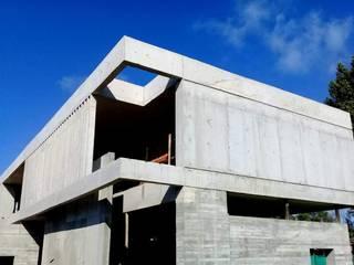 CASA D de Arquitecto Martin Daloria Minimalista