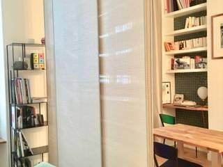 Studio Paris XI Salon moderne par Christine Fath architecte d'intérieur CFAI Moderne