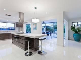 Zambezi Estate-New Build:  Built-in kitchens by Wentworth Construction, Modern