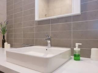 Однушка на космонавтов Ванная комната в стиле минимализм от Игорь Васюков Минимализм
