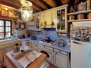 Caserio Menagarai Cocinas de estilo rústico de TRIPLE-D Rústico
