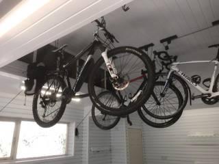 A dream garage in Sevenoaks, Kent Oleh Garageflex Minimalis