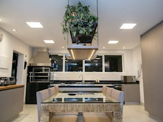 C2HA Arquitetos Modern kitchen