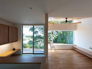 雄景の家 モダンデザインの リビング の あかがわ建築設計室 モダン