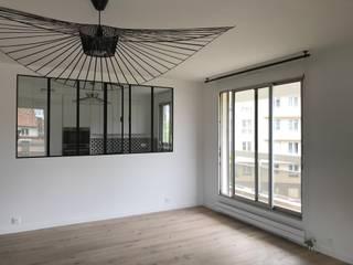 Rénovation Appartement Courbevoie 102 m² Salon moderne par Nuance d'intérieur Moderne