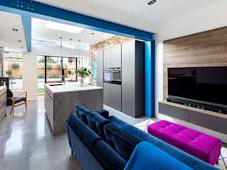 Kitchen Extension - Windsor Road, Kingston Upon Thames, KT2 โดย APT Renovation Ltd โมเดิร์น