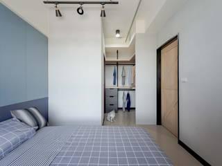 Industrial style dressing room by 澄月室內設計 Industrial