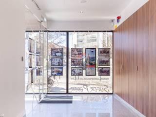 Projecto de Escritórios / Loja REMAX Solução III por Ana Maria Timóteo _ arquitecta Moderno