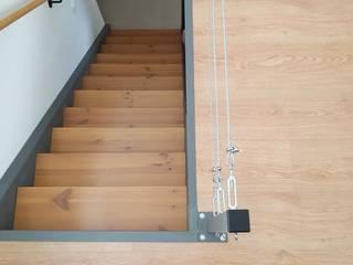 Projeto simples de Mezzanine por Ana Maria Timóteo _ arquitecta Eclético