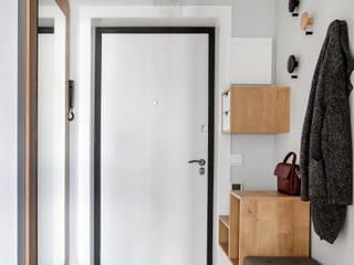 Pasillos, vestíbulos y escaleras de estilo escandinavo de Дизайн Студия 33 Escandinavo