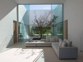 Ruang Keluarga Gaya Mediteran Oleh Otto Medem Arquitecto vanguardista en Madrid Mediteran