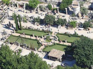 Atelier Alain BIDAL : un parc paysagé de 3 hectares ouverts à tous situés à l'Isle sur la Sorgue (Vaucluse) Atelier Alain BIDAL - Taille de pierre et Matériaux anciens en Provence Jardin méditerranéen Pierre