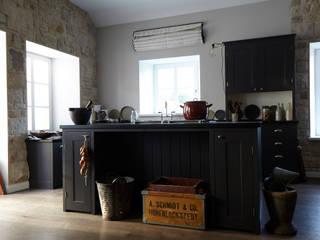 Shakerküche im Ländlichen Landhaus Küchen von Woodworker GmbH &Co. KG Landhaus