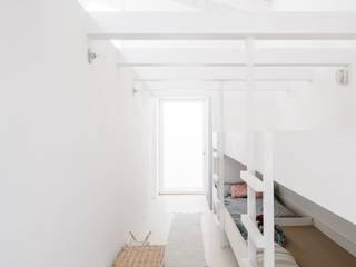 Beliche e Bancadas por medida:   por Woodmade,Minimalista