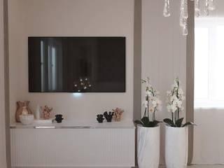 Спальня на стыке неоклассики и современного стиля Спальня в стиле модерн от El'design Модерн