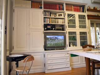 Gli Artigiani dei f.lli M.& S. Cordi snc SalasMuebles de televisión y dispositivos electrónicos Madera Blanco