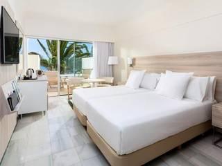 モダンスタイルの寝室 の Tu Hotel Contract モダン
