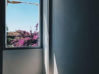 Habitação Unifamiliar : Portadas de janela  por Cervus Concept & Retail,Moderno