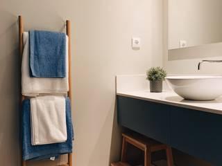 Alojamento Local: Casas de banho  por Cervus Concept & Retail,Moderno