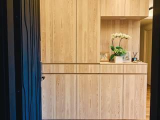Hành lang, sảnh & cầu thang phong cách tối giản bởi 圓方空間設計 Tối giản