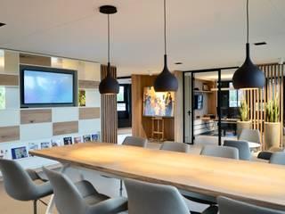 Renovatie kantoorpand | Schagen: modern  door Jongens DE WIT, Modern