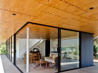 Casas modernas: Ideas, imágenes y decoración de Dx Arquitectos Spa Moderno