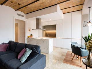 van LF24 Arquitectura Interiorismo