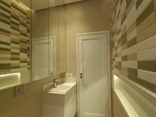 ISADORA MARTEL interiores Salle de bain moderne Céramique Beige