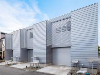 GELANDE 一級建築士事務所オブデザイン 長屋 金属 メタリック/シルバー