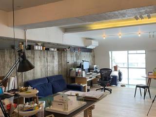 笹口SOHO 一級建築士事務所オブデザイン モダンデザインの リビング コンクリート 灰色