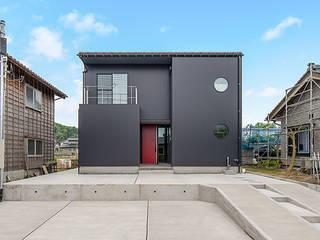 Denki House 一級建築士事務所オブデザイン 木造住宅 金属 黒色