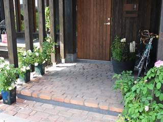 北海道十勝の地産地消の家、縁側と庭で広がる平屋 の 家と草木のアトリエ hausgras オリジナル