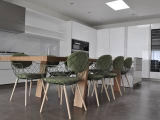 Projecto IMO: Cozinhas  por Tangram Studio,Moderno