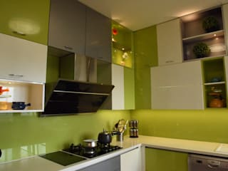Poorva Skywood:  Built-in kitchens by TIAH - The Interiors and Art House,Modern