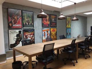 STOPLINE FILMS - REMODELAÇÃO E DESIGN DE INTERIORES: Escritórios  por SOI Home&Store Design,Industrial