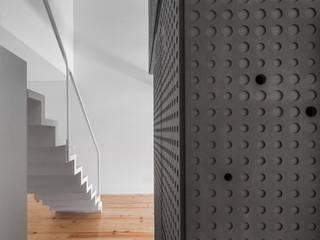 SARGRUP İNŞAAT VE ENERJİ LTD.ŞTİ. – VALCHROMAT: minimalist tarz , Minimalist