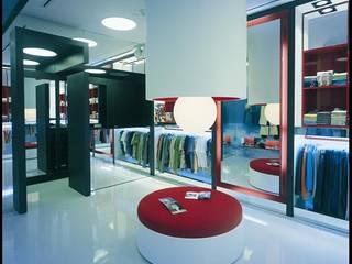 SERPİCİ's Mimarlık ve İç Mimarlık Architecture and INTERIOR DESIGN Negozi & Locali Commerciali Cemento Bianco