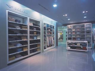 SERPİCİ's Mimarlık ve İç Mimarlık Architecture and INTERIOR DESIGN Negozi & Locali commerciali moderni Cemento Blu