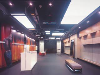 SERPİCİ's Mimarlık ve İç Mimarlık Architecture and INTERIOR DESIGN Negozi & Locali commerciali moderni Legno Variopinto