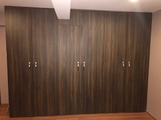 MADYS INTERIORES Modern dressing room