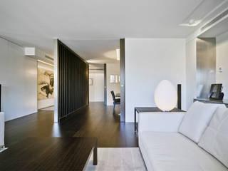 Moderne Wohnzimmer von Aguilar Arquitectos Modern