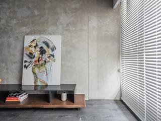 淬。煉 现代客厅設計點子、靈感 & 圖片 根據 質覺制作設計有限公司 現代風