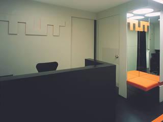 SERPİCİ's Mimarlık ve İç Mimarlık Architecture and INTERIOR DESIGN Kantor & Toko Modern Komposit Kayu-Plastik Black